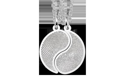 Eerste Vaderdag yin yang hangertje met vingerafdrukken